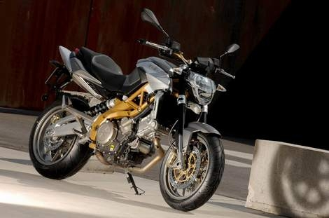 The Debut Of The Aprilia 750 Shiver